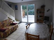 RENTING HOLIDAYS - SEMI detached house o...